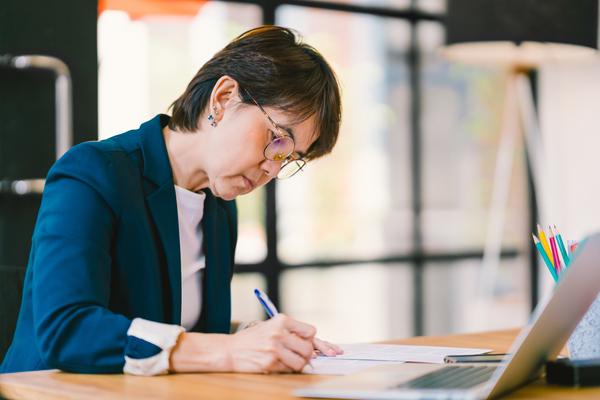 Womanwriting