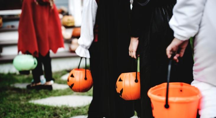 Resized halloween helpers main